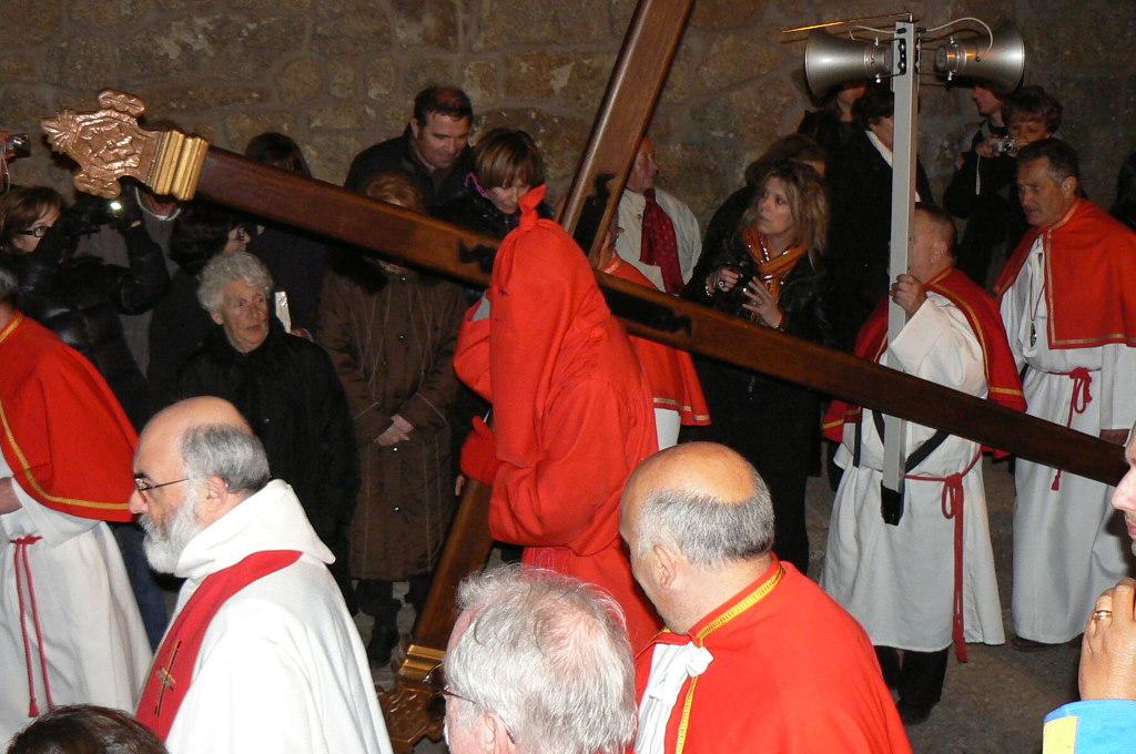 SARTENE - Catenacciu porte la croix